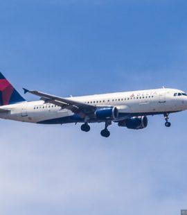 Самолет Delta Airlines