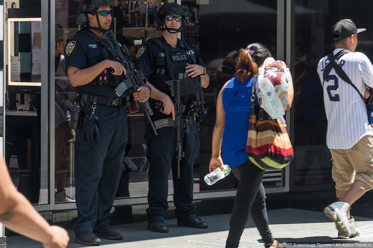 12 Police NY - Первый раз в Нью-Йорке: Таймс-Сквер, Центральный парк и Чайнатаун