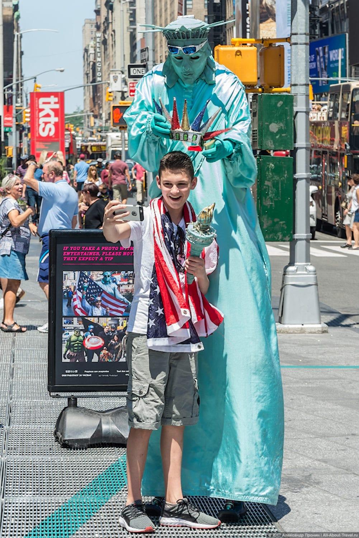16 Statue of Liberty - Первый раз в Нью-Йорке: Таймс-Сквер, Центральный парк и Чайнатаун