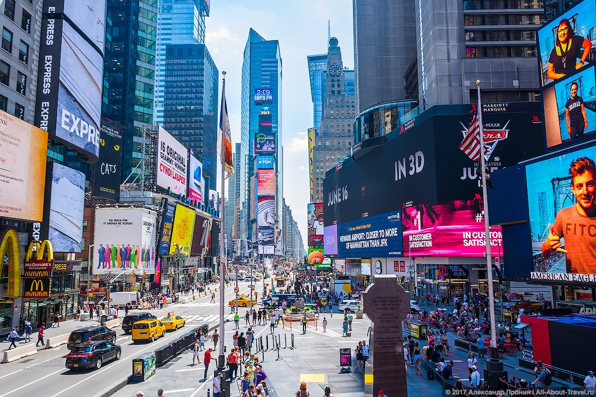 19 Times Square New York - Первый раз в Нью-Йорке: Таймс-Сквер, Центральный парк и Чайнатаун