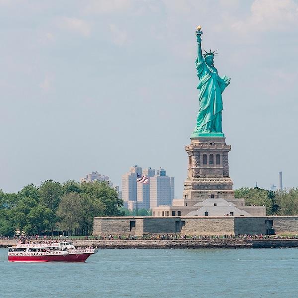 3 Statye of liberty logo mini - Как мы проходили собеседование на визу США