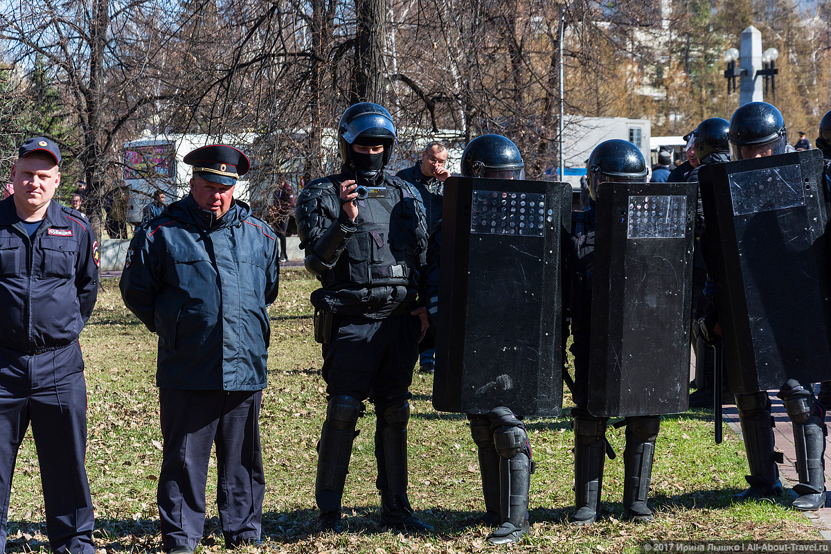 "CHelyabinsk Protesty 50 - Митинг ""Он нам не царь"" в Челябинске - Как проходят акции протеста на Урале?"
