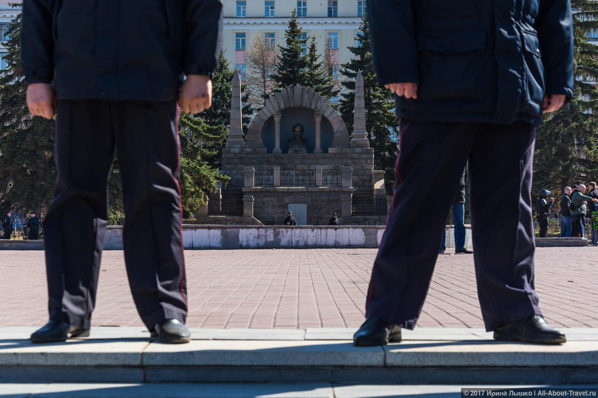 "CHelyabinsk Protesty 60 - Митинг ""Он нам не царь"" в Челябинске - Как проходят акции протеста на Урале?"