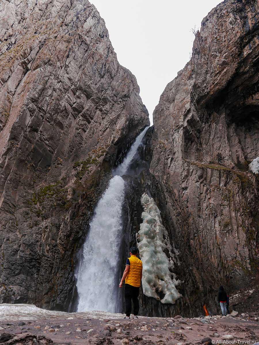 Водопад Каракая-Су ближе